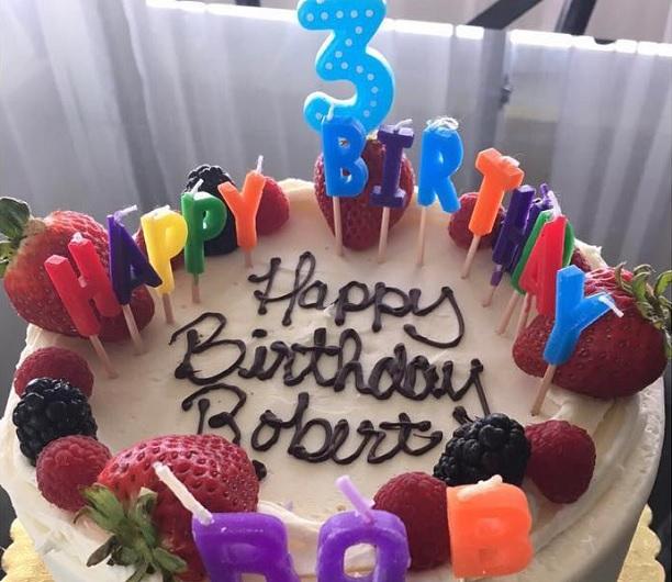 картинки с надписью роберт с днем рождения своими руками батарейки