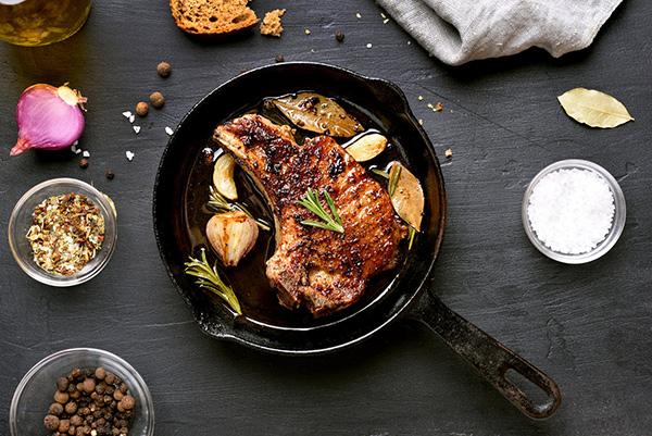 На глаз: как определить готовность мяса без кулинарного термометра