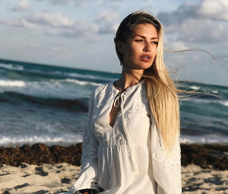 Виктория Боня На Пляже Голая