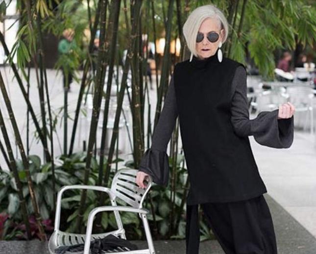 Возраст – это плюс. Как 60-летняя профессор университета стала иконой стиля