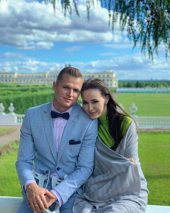Дмитрий Тарасов иАнастасия Костенко