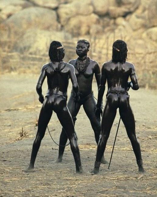 Женщины племени Нуба фото