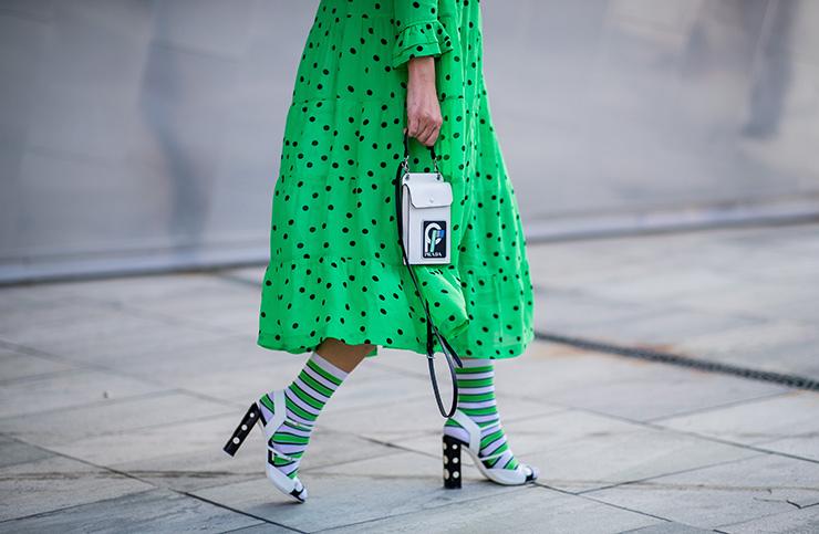 девушка взеленом платье