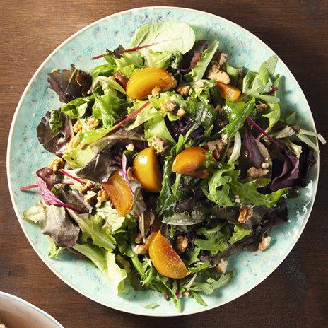 Салат сгрецкими орехами