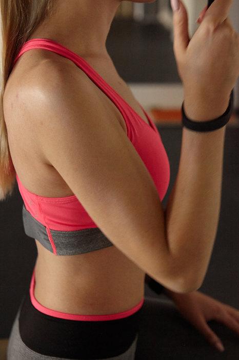 девушка вспортивной форме