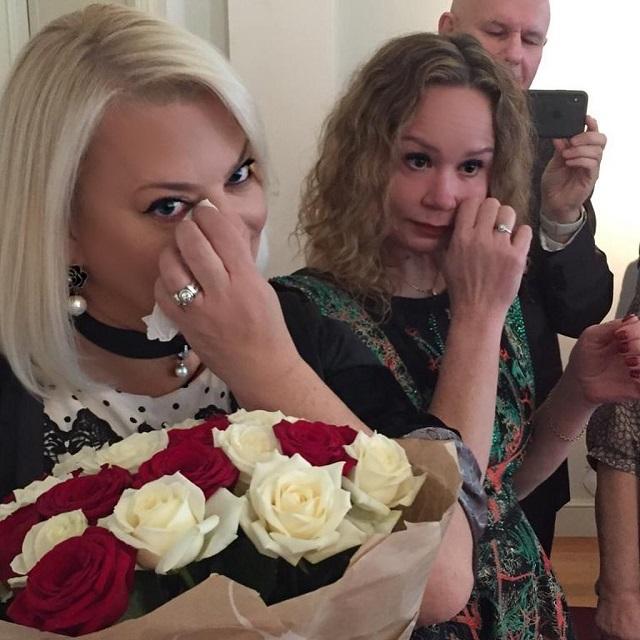 Яна Поплавская имать невесты