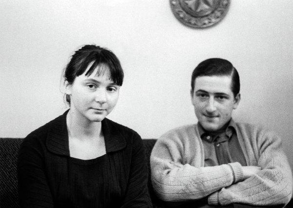 Внуки И.В.Сталина, дети Светланы Аллилуевой - Катя иИосиф.