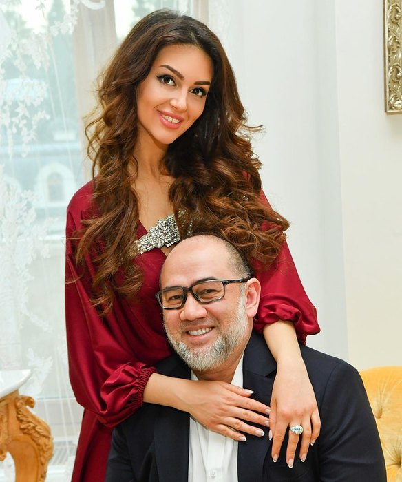 Оксана Воеводина вышла замуж закороля Малайзии Мухаммада