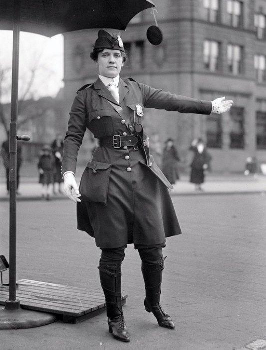 Первая женщина-полицейский вВашингтоне