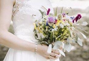 Кто, как не я? Россиянка женилась на себе в знак протеста