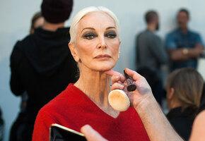 Кармен Делль'Орефиче: 89-летняя модель с рекордно длинной карьерой