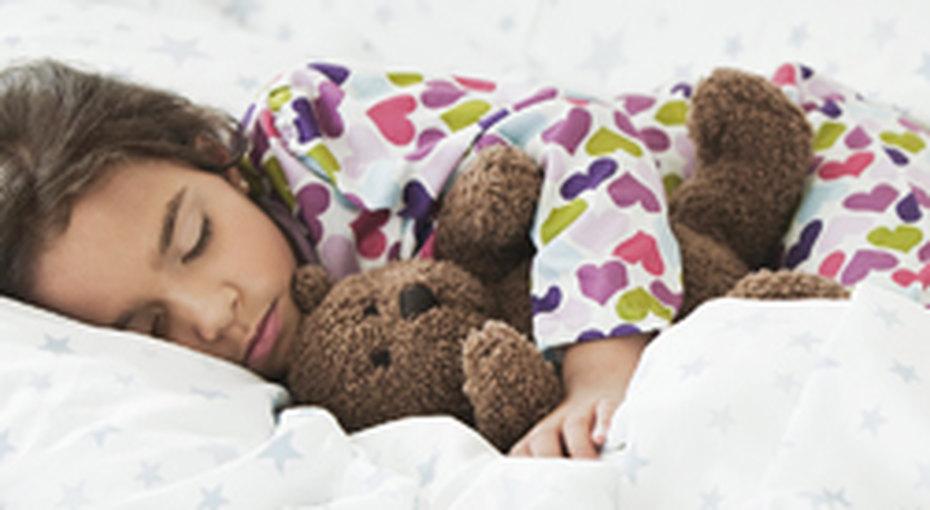 Как разбудить ребенка зимой