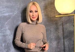 «Пластическим хирургам советую не нести пургу»: Лера Кудрявцева показала извлеченный из нее грудной имплантат