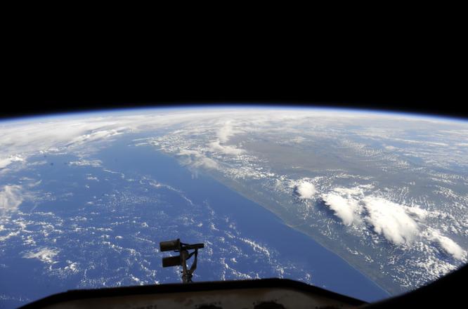 Орбитальная галерея космонавта Александра Самокутяева, Роскосмос
