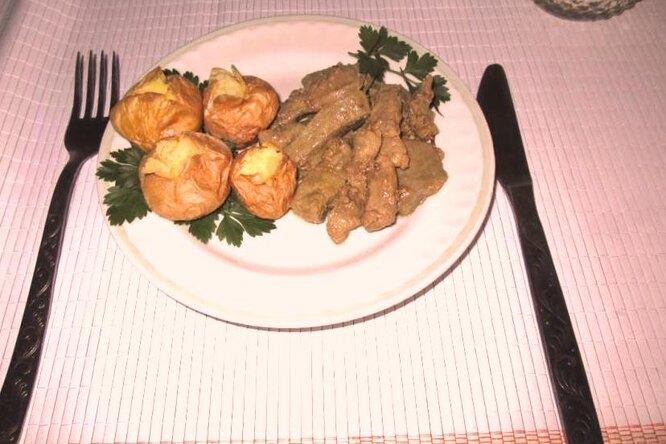 Запеченный картофель. Гарнир к мясному блюду.