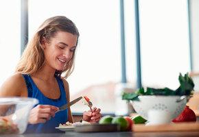 6 продуктов, богатых витамином D, которые стоит почаще есть осенью и зимой