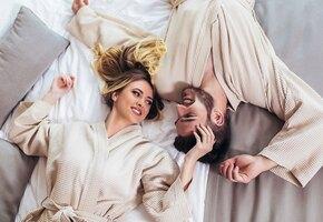 Махровые, плюшевые, твои: 7 лучших халатов для дома