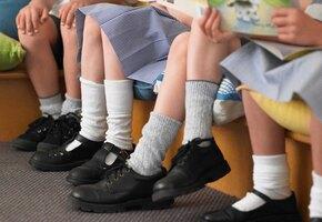 Откуда не ждали: в школьной обуви Роскачество обнаружило токсины