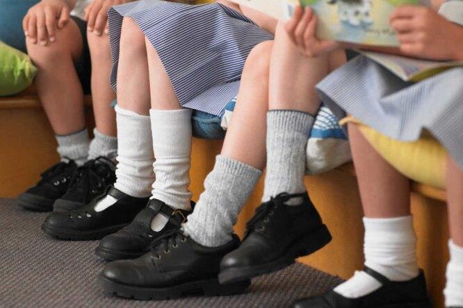 Откуда неждали: вшкольной обуви Роскачество обнаружило токсины
