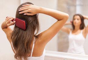 Гадание на расческе: 6 болезней, которые можно определить по состоянию волос