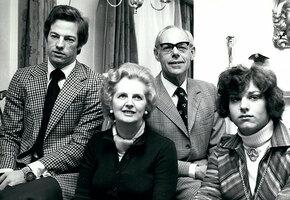 Мама будет недовольна: почему Маргарет Тэтчер баловала сына и ущемляла дочь