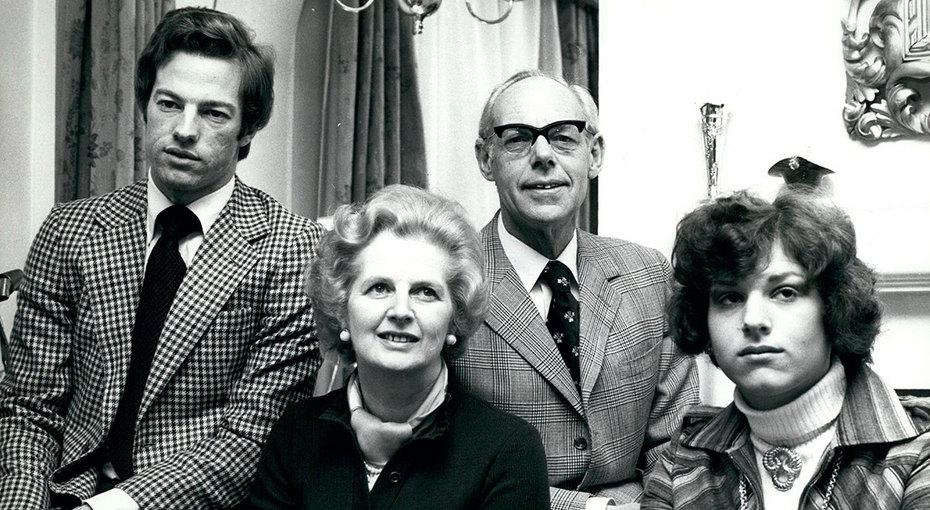 Мама будет недовольна: почему Маргарет Тэтчер баловала сына иущемляла дочь