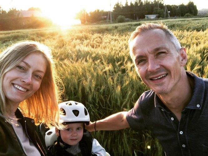 Степан Михалков с женой Елизаветой Ильиной и сыном Лукой