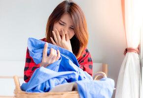 Как избавить одежду от запаха без стирки? 5 простых способов