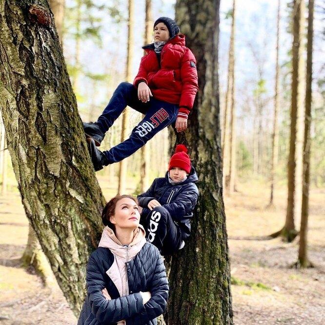 Юлия Такшина с сыновьями Иваном и Фёдором
