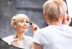 После 40 лет — не черная тушь, а темно-синяя! 10 советов по макияжу для зрелой кожи