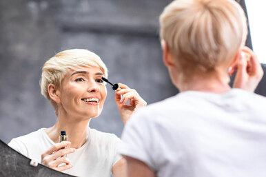 После 40 лет — нечёрная тушь! 10 советов помакияжу длязрелой кожи