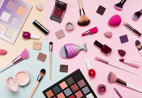 Минус десять лет: правила макияжа после 50