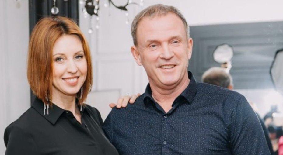 «Продолжайте радовать!» Виктор Рыбин иНаталья Сенчукова поблагодарили друзей запомощь