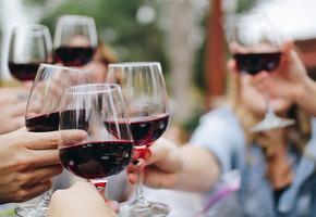 «Виноградное сердце»: в чем польза и вред красного вина