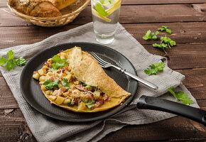 Омлеты: с индейкой, скрэмбл, ролл и еще 12 интересных рецептов на завтрак