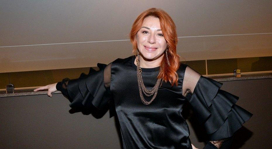 «На Иратова похожа»: Алена Апина впервые задолгое время показала 17-летнюю дочь
