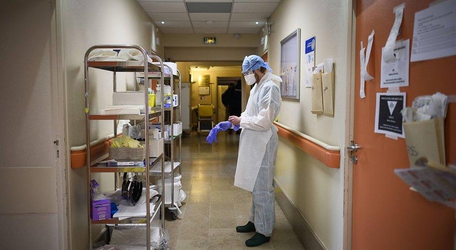 «Оцениваем состояние тяжелых больных ежеминутно»: главврач инфекционной больницы рассказал, как протекает коронавирус