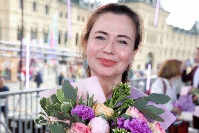 «Приползают приползанты»: Ксения Лаврова-Глинка разрешает детям спать сней