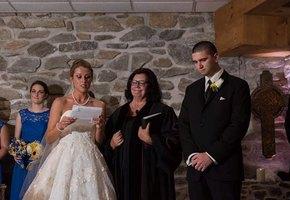 На церемонии невеста сделала неожиданное признание бывшей жене и сыну жениха