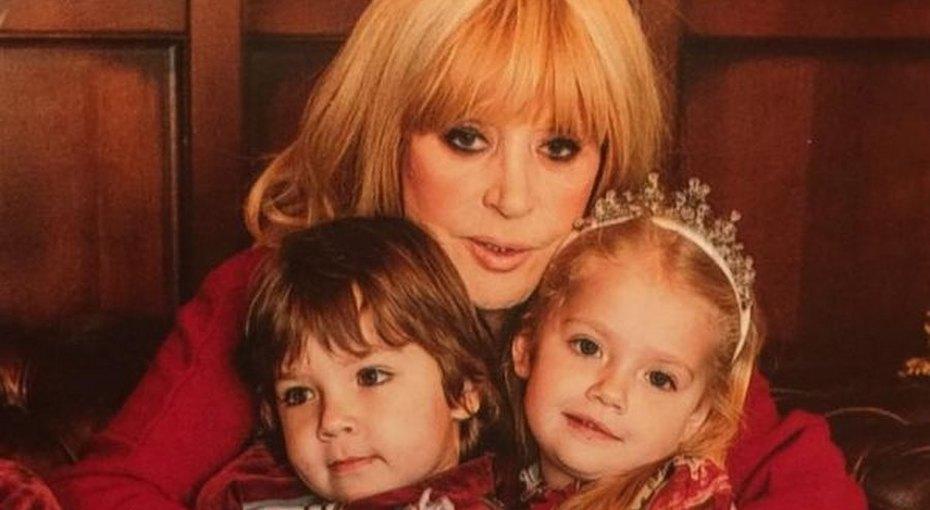 «На маму похожа»: Алла Пугачева показала нежное фото Лизы Галкиной