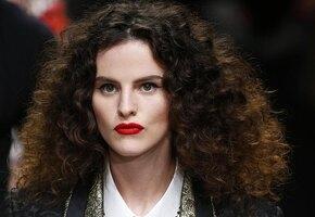 Для быстрой укладки: 10 классных продуктов для волос, которые появились недавно