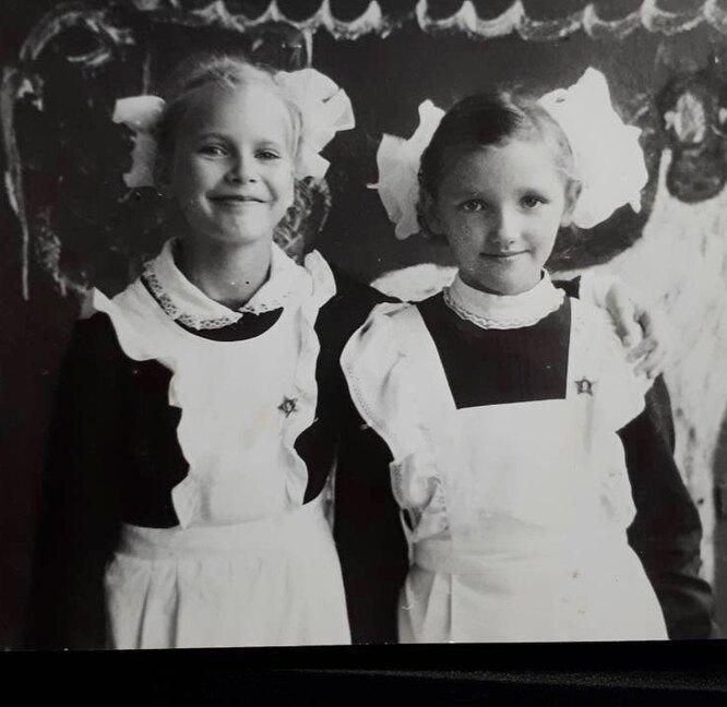 Елена Летучая (слева)