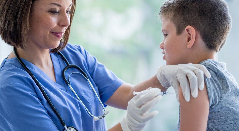 Детские прививки: заили против?