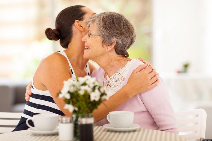 Взрослые дети, ухаживая за больными родителями, часто оказываются в социальной изоляции