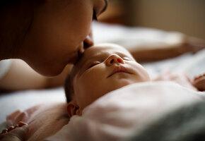 «Растяжки кровоточили»: женщина, ожидавшая двойню, родила девочку-богатыршу