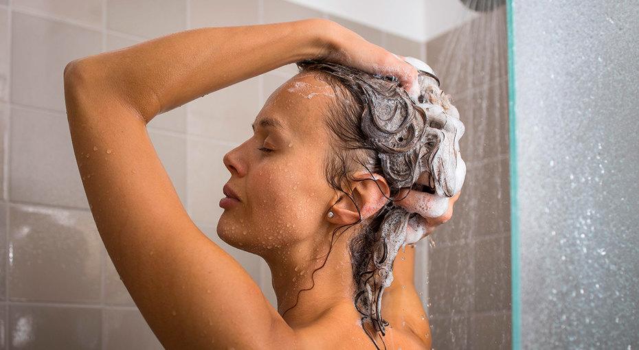 С какой частотой нужно мыть волосы разных типов (видео)