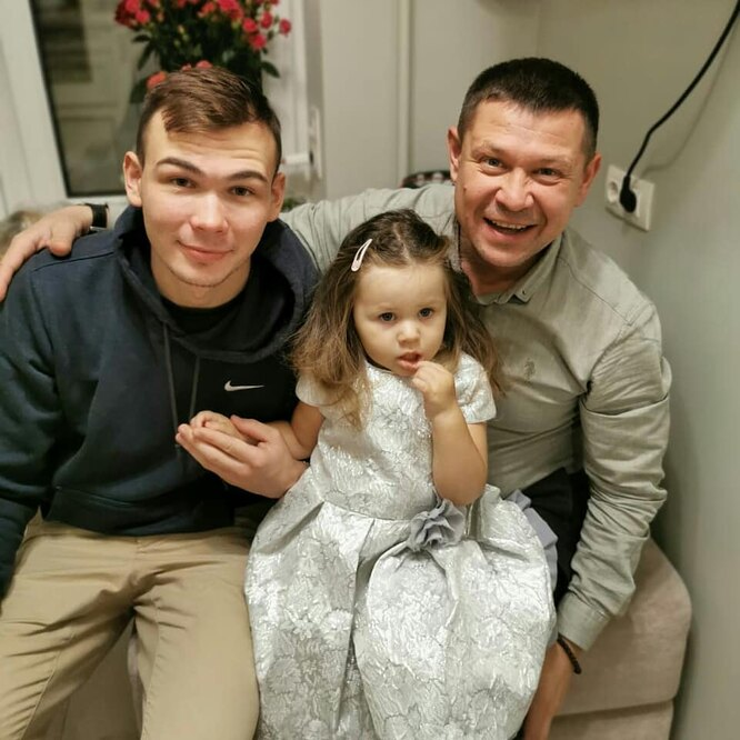Анатолий Гущин, Даниил Гущин, Глафира Гущина