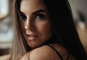 «Через два дня стукнет 30»: Соня Таюрская из Little Big выложила фото в бра