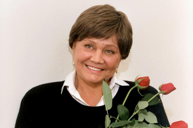 «Он пришел ко мне вроддом сцветами»: Лариса Лужина олюбви кВладимиру Ивашову