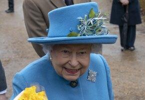 Королева – за секс! Елизавета II наградила производителя интимных игрушек